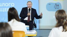 Смел ученик поправи Путин, който сбърка исторически факти