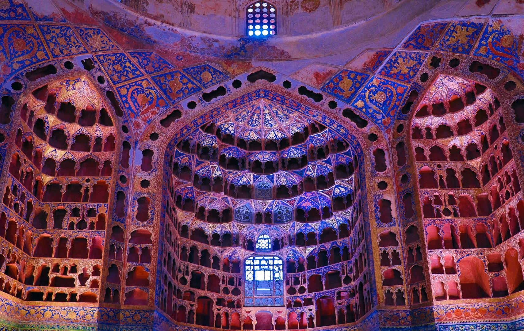 Китайската стая в гробницата на шейх Сафи ад дин Ардабил. Гробницата е от 1334 г. и е част от световното наследство на ЮНЕСКО.