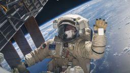Астронавтите масово се оплакват от болки в гърба