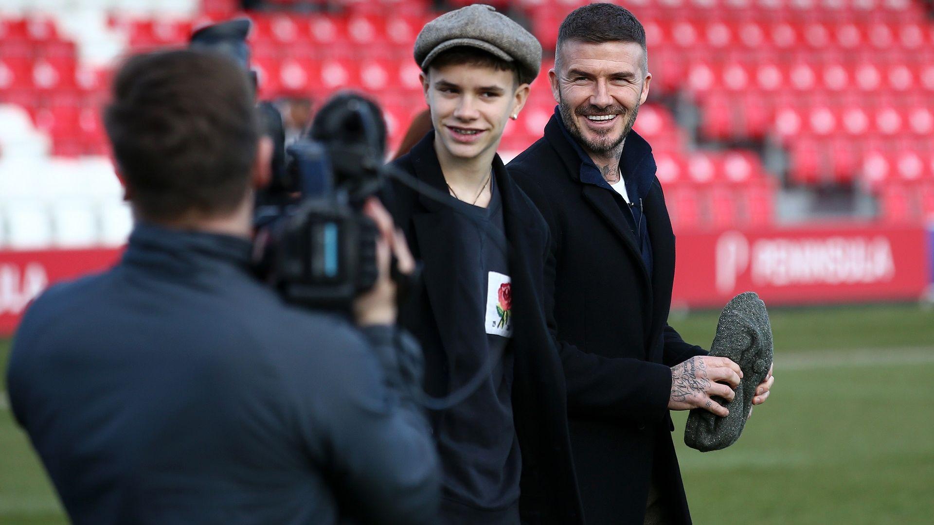 Синът на Дейвид Бекъм направи професионален дебют във футбола