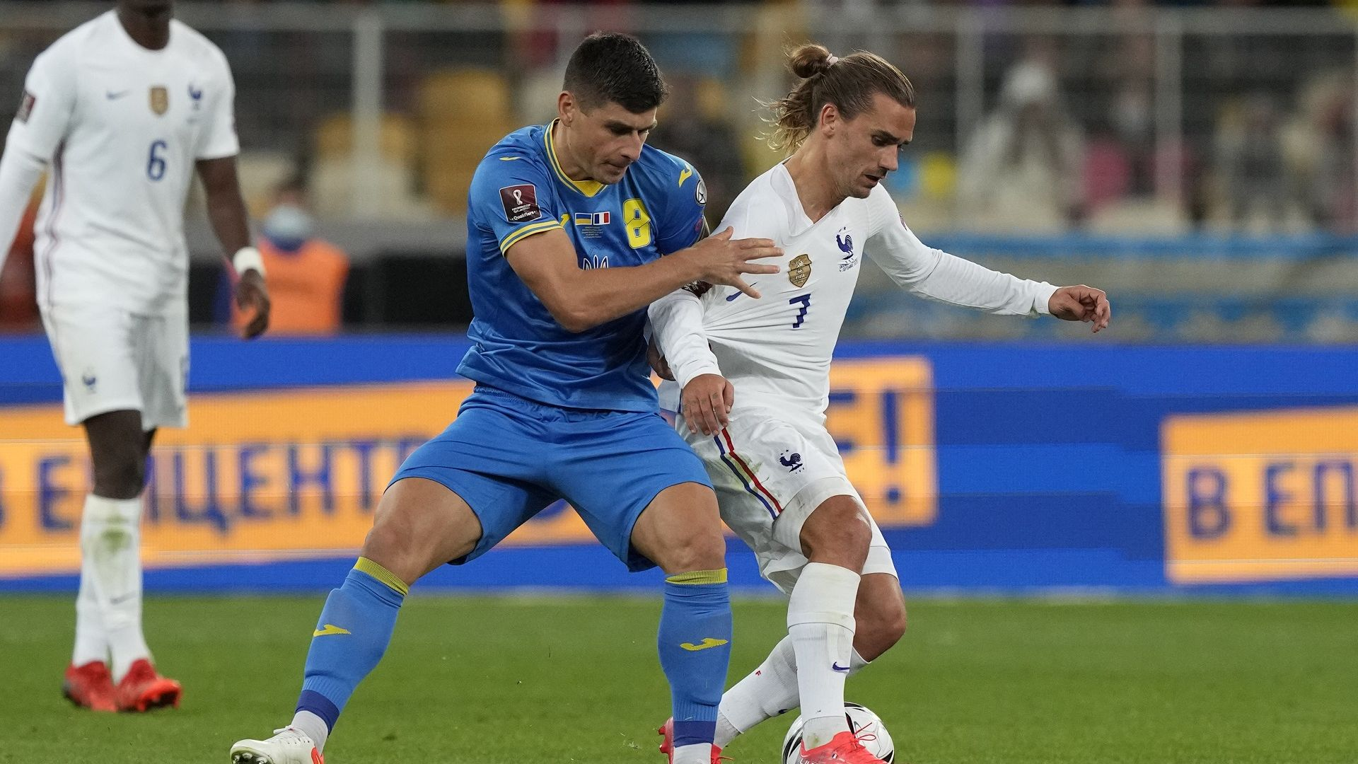 Световният шампион Франция се издъни в Киев, Израел разби Австрия (резултати)