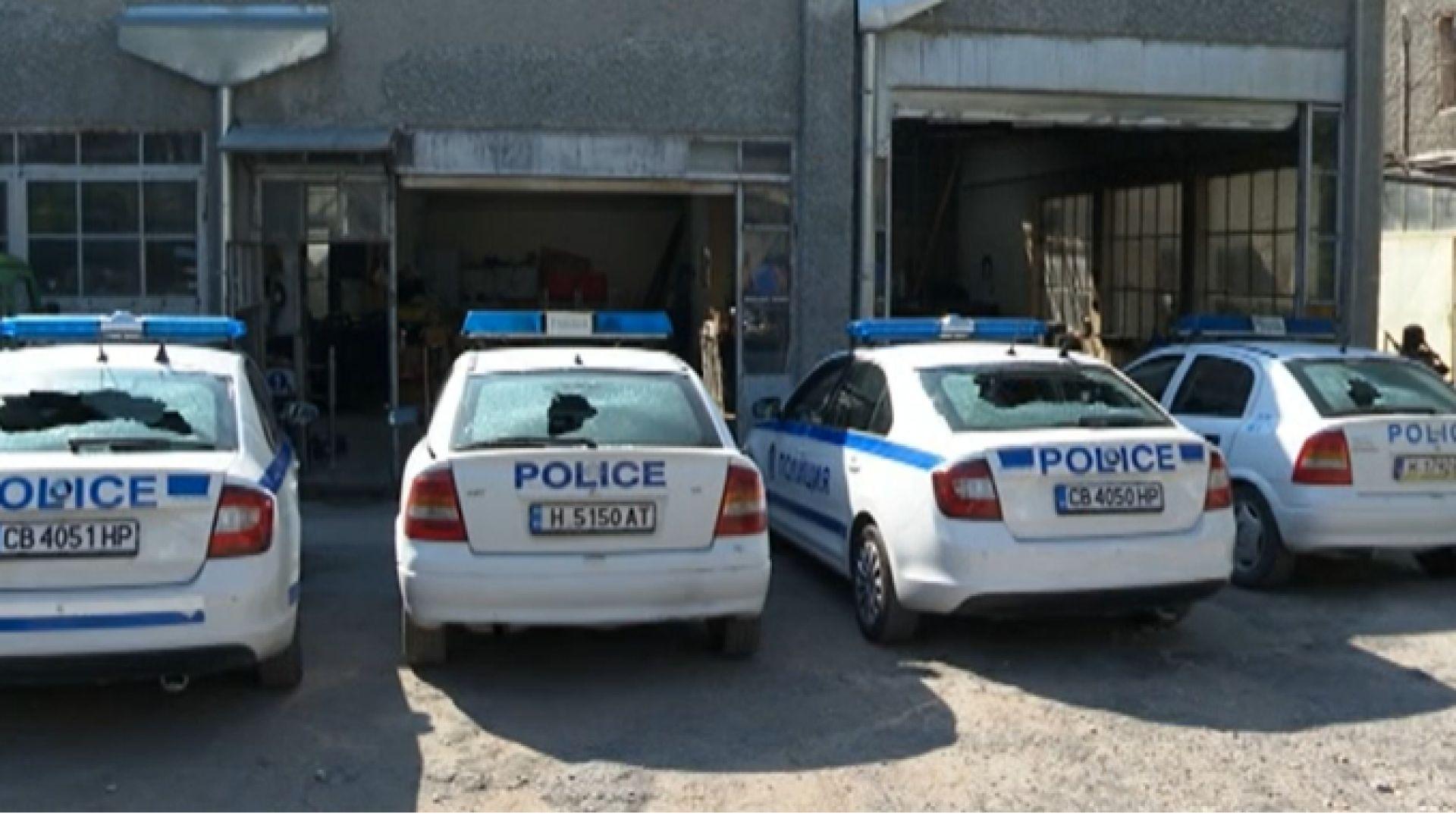 Пиян шуменец потроши 4 полицейски коли, бил ядосан заради глоби