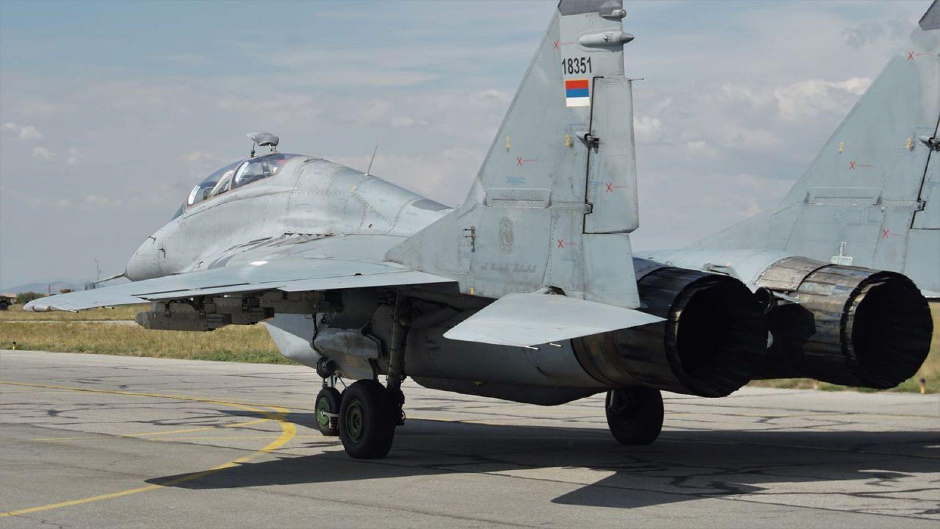 """Три самолета на Военновъздушните сили на Сърбия кацнаха в авиобаза """"Граф Игнатиево"""""""