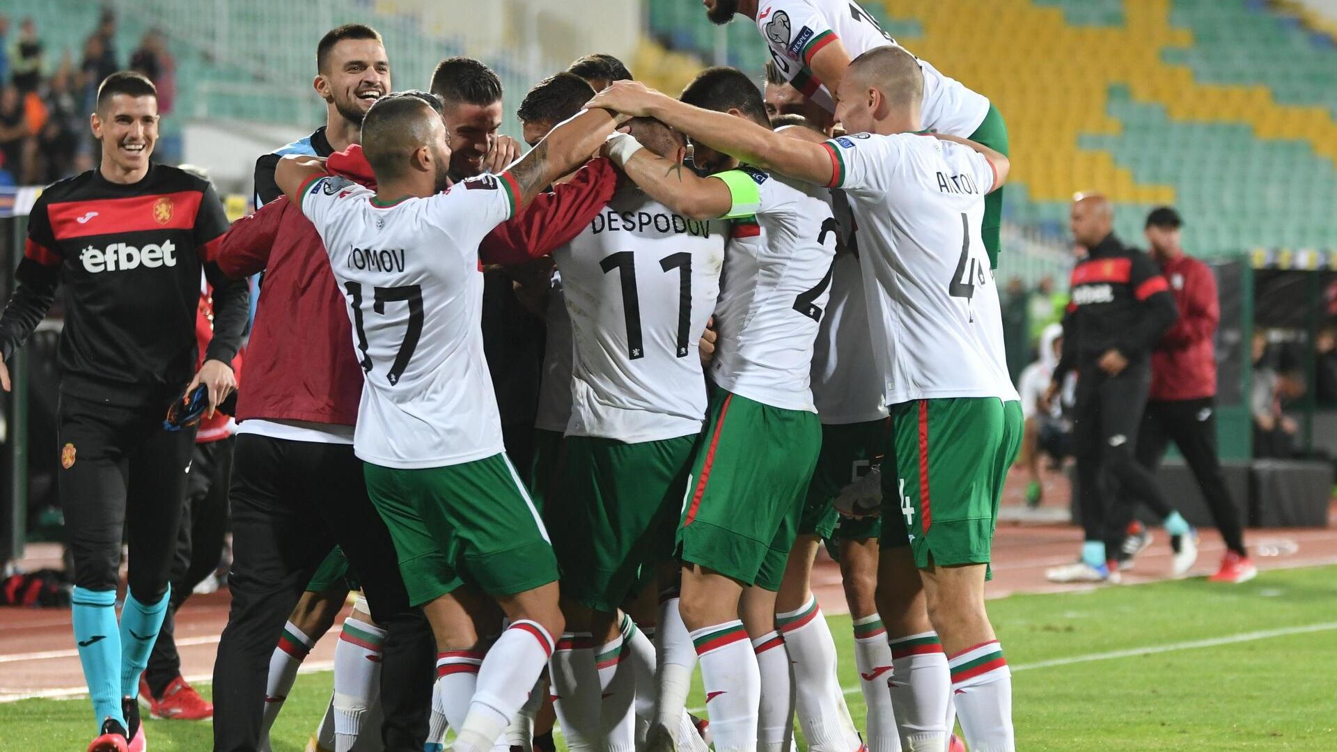 Националният отбор по футбол се изкачи с пет места, изпревари и Северна Македония
