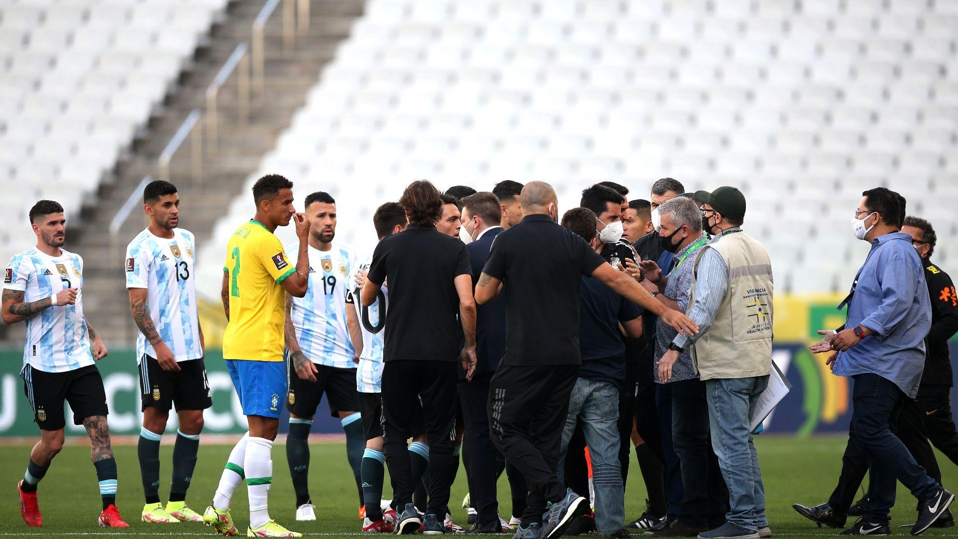 ФИФА започна разследване на Бразилия - Аржентина, домакините очакват служебна победа