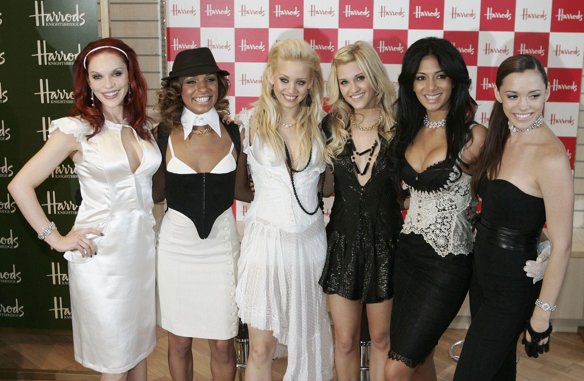"""Основателката на групата """"Pussycat Dolls"""" съди Никол Шерцингер"""
