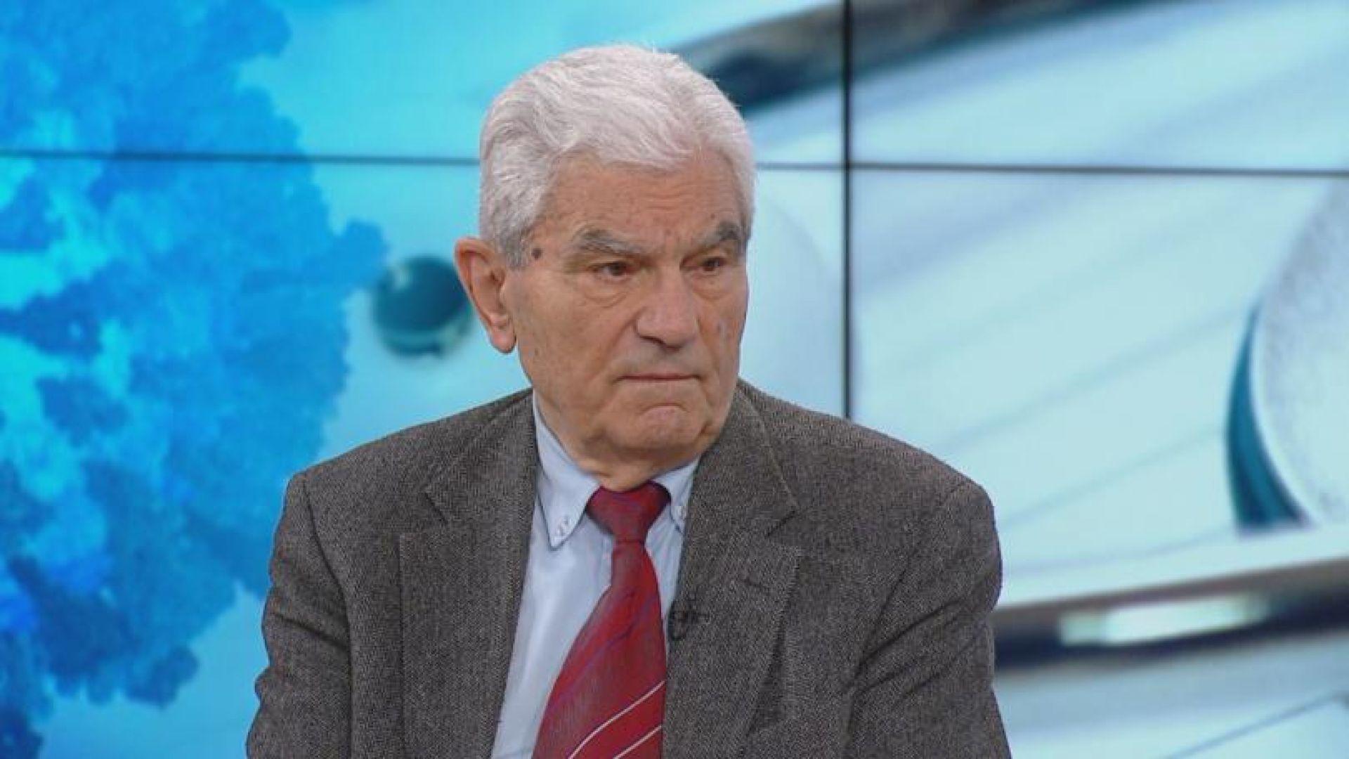 Акад. Петрунов: Ваксинацията е отчайващо слаба, а имунитетът след болест е до 12%