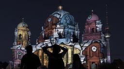 Зрелищно светлинно шоу върху 12 емблематични забележителности на Берлин