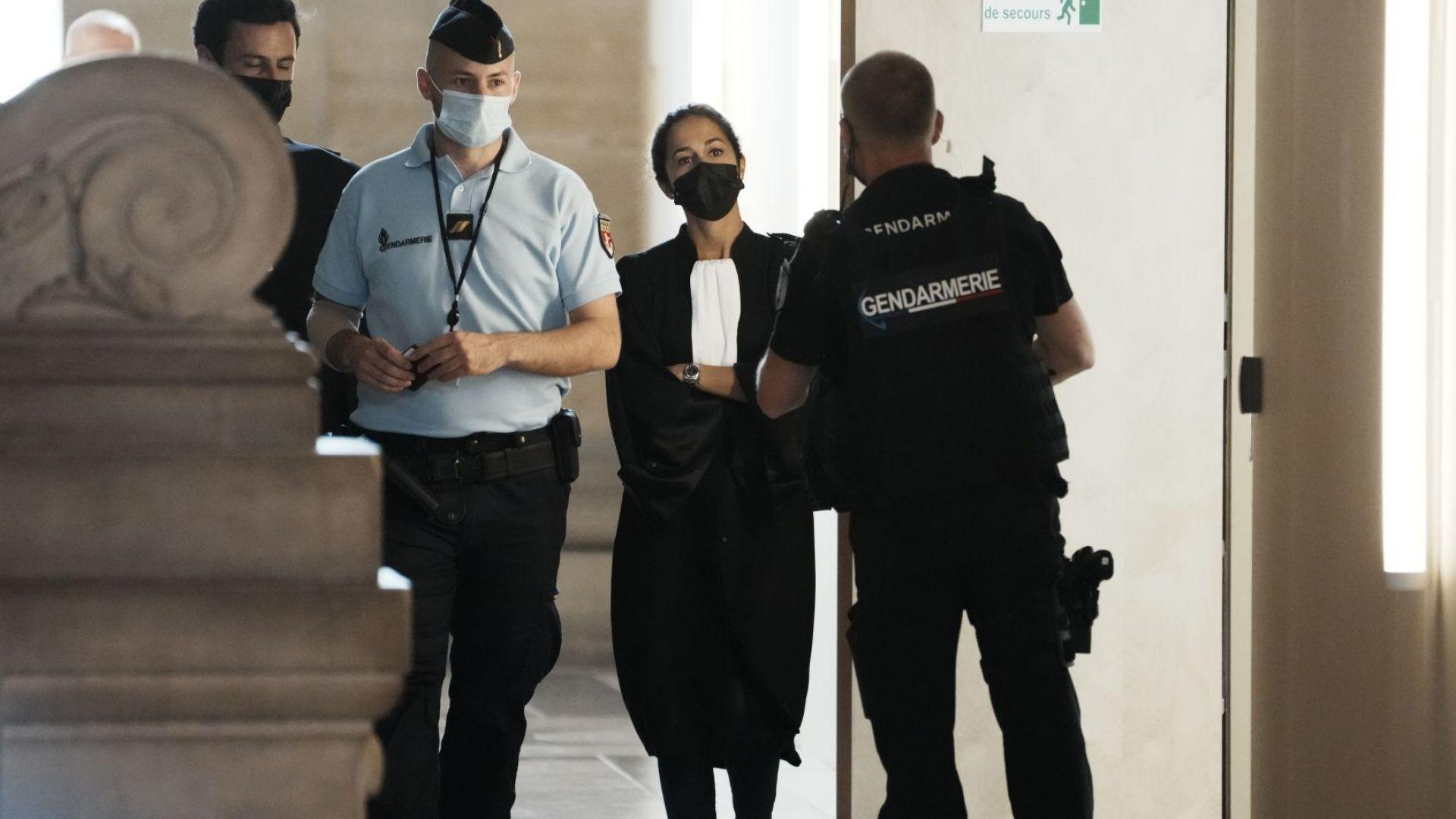 """Започна исторически процес: Съдят 20 души за атаката в """"Батаклан"""" (снимки/видео)"""