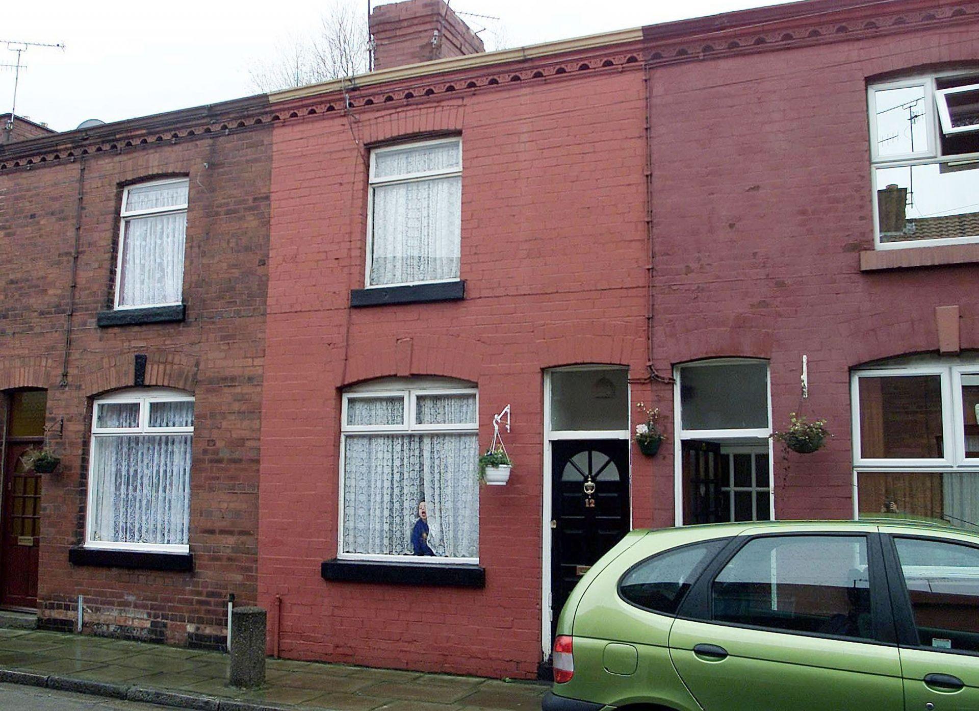 """Първият дом на Джордж на """"Арнолд  Гроув"""" в Ливърпул, който е задънена улица"""