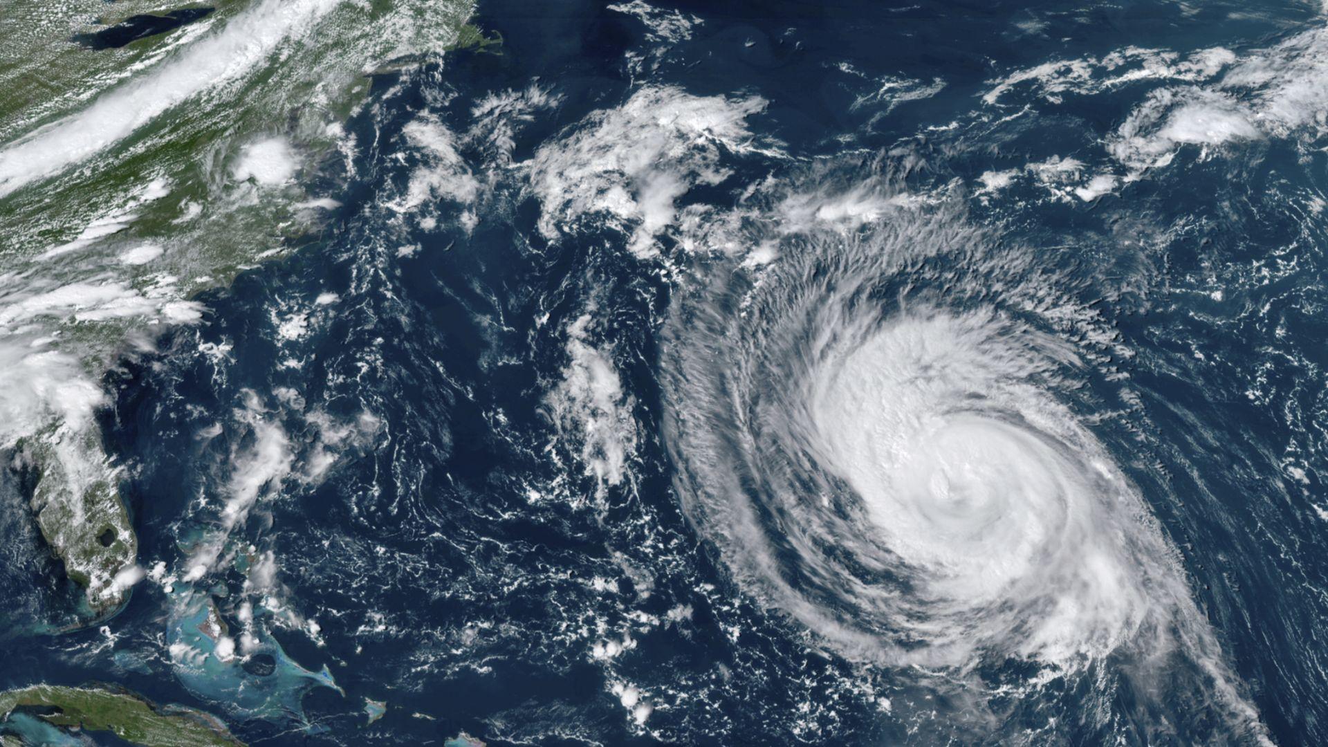 """След """"Айда"""" тропическата буря """"Минди"""" атакува Флорида"""