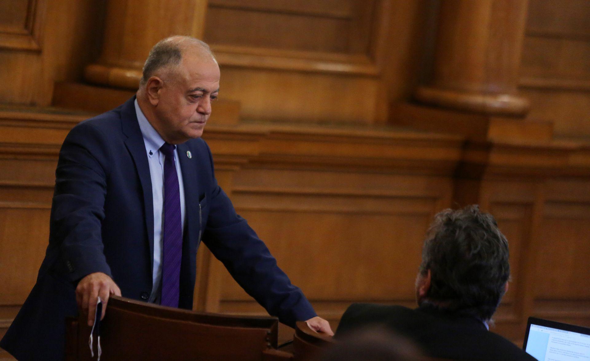 За да има помирение, трябва да има покаяние, посочи Атанас Атанасов  в декларация от името на парламентарната груп