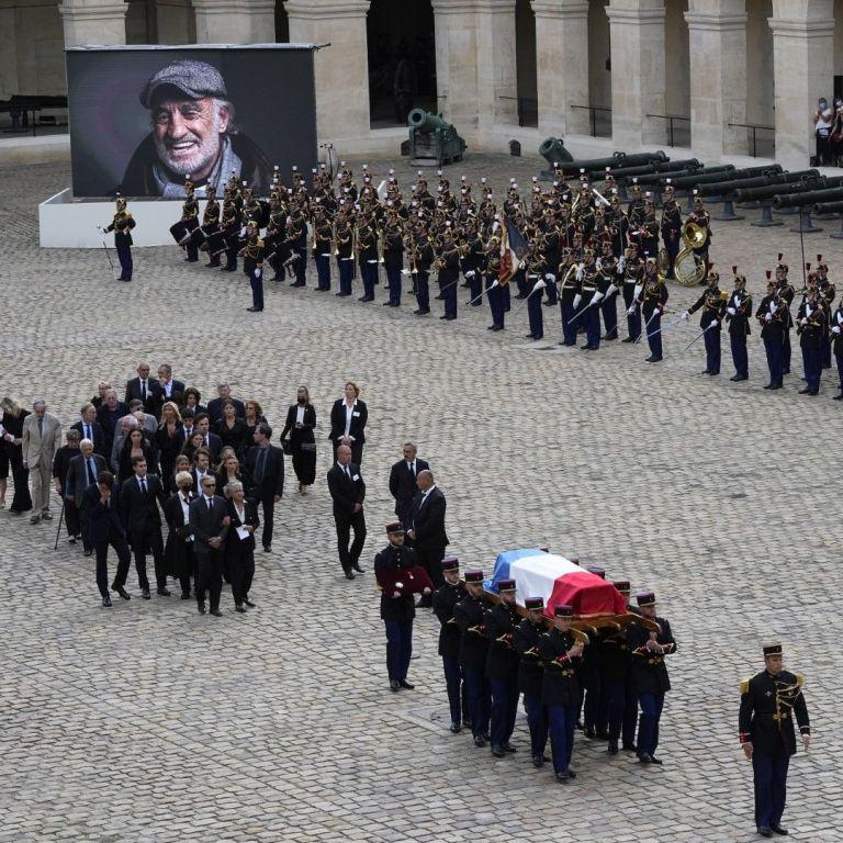 Франция се сбогува с Жан-Пол Белмондо, Професионалистът