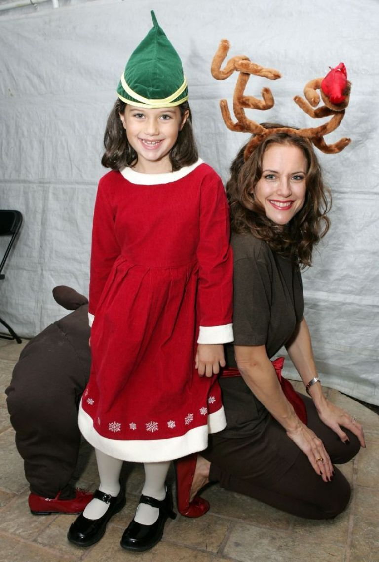 Come and Kelly to a Christmas party in 2006