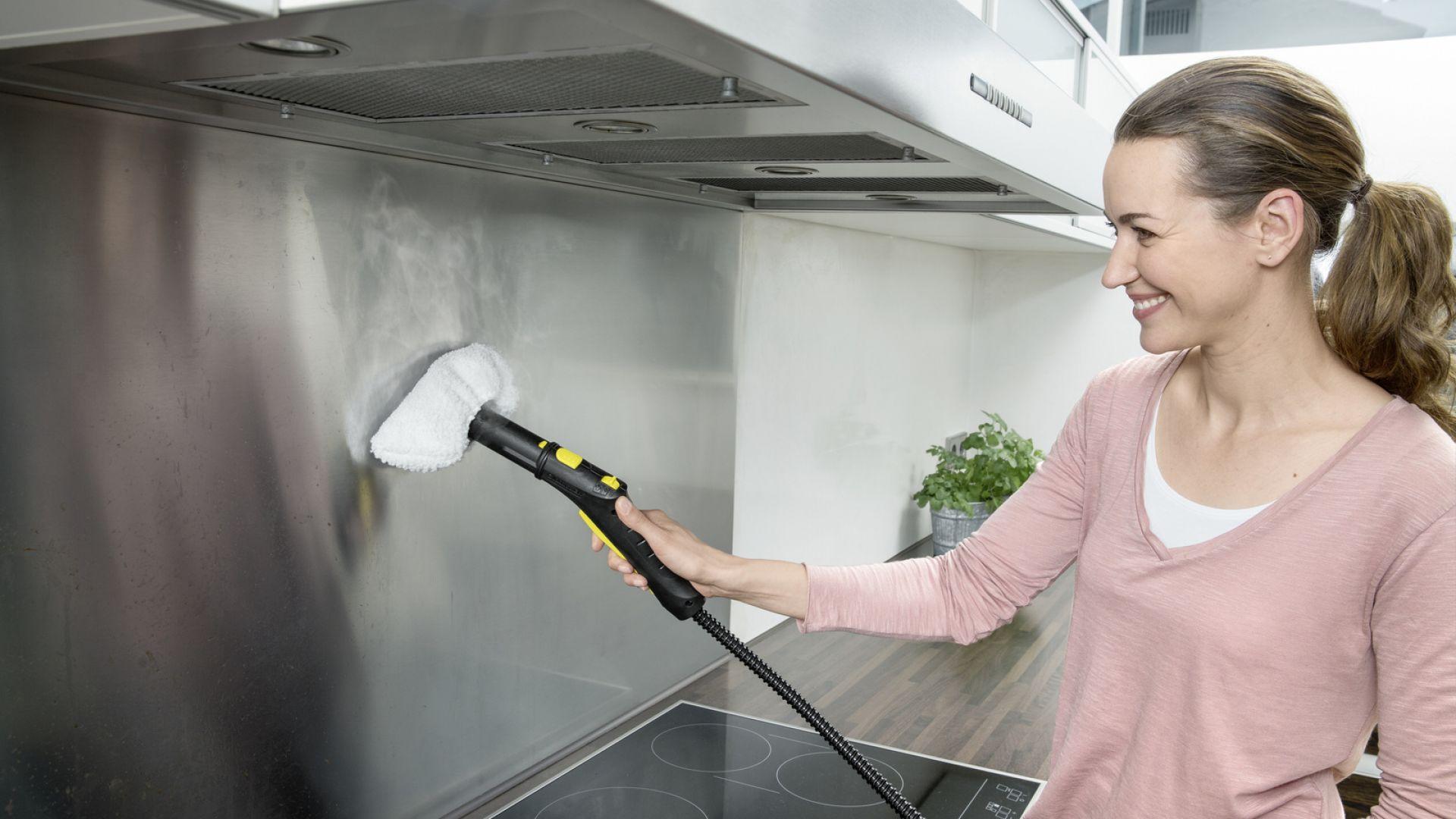 Гореща пара и пълен напред: как да почистваме и дезинфекцираме дома си правилно