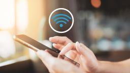 Опасно ли е да се връзвате към хотелския Wi-Fi (и как да се предпазите)?