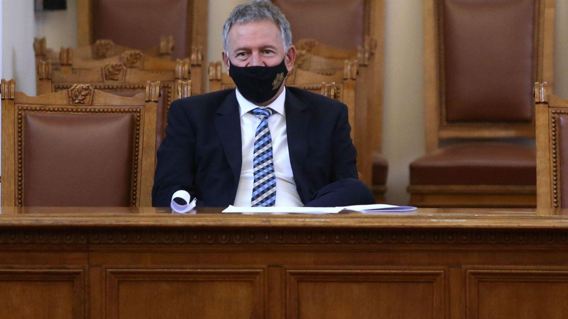 Д-р Кацаров: Щях да имам лежерен мандат, ако ГЕРБ не бяха съсипали здравната система