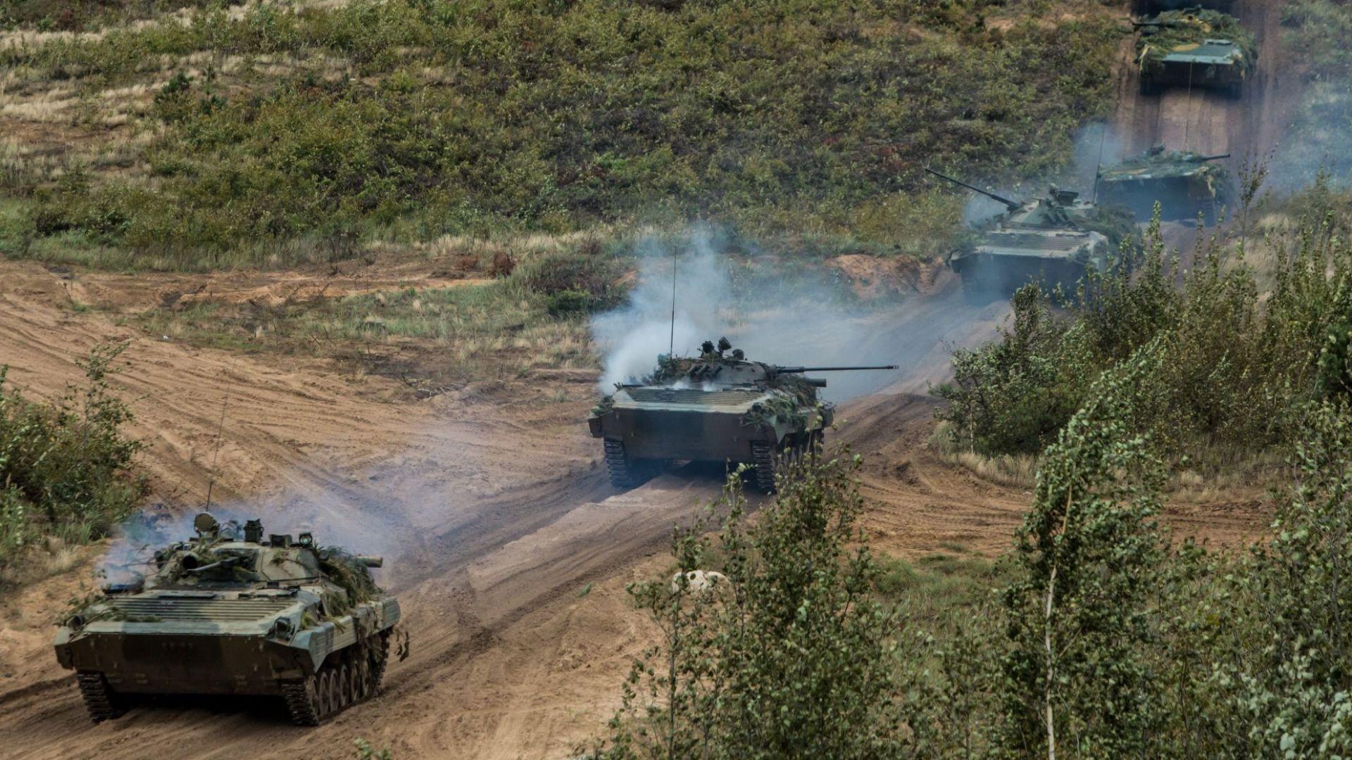 """Русия и Беларус стартираха """"горещата фаза"""" на съвместни учения с 200 000 войници (видео)"""