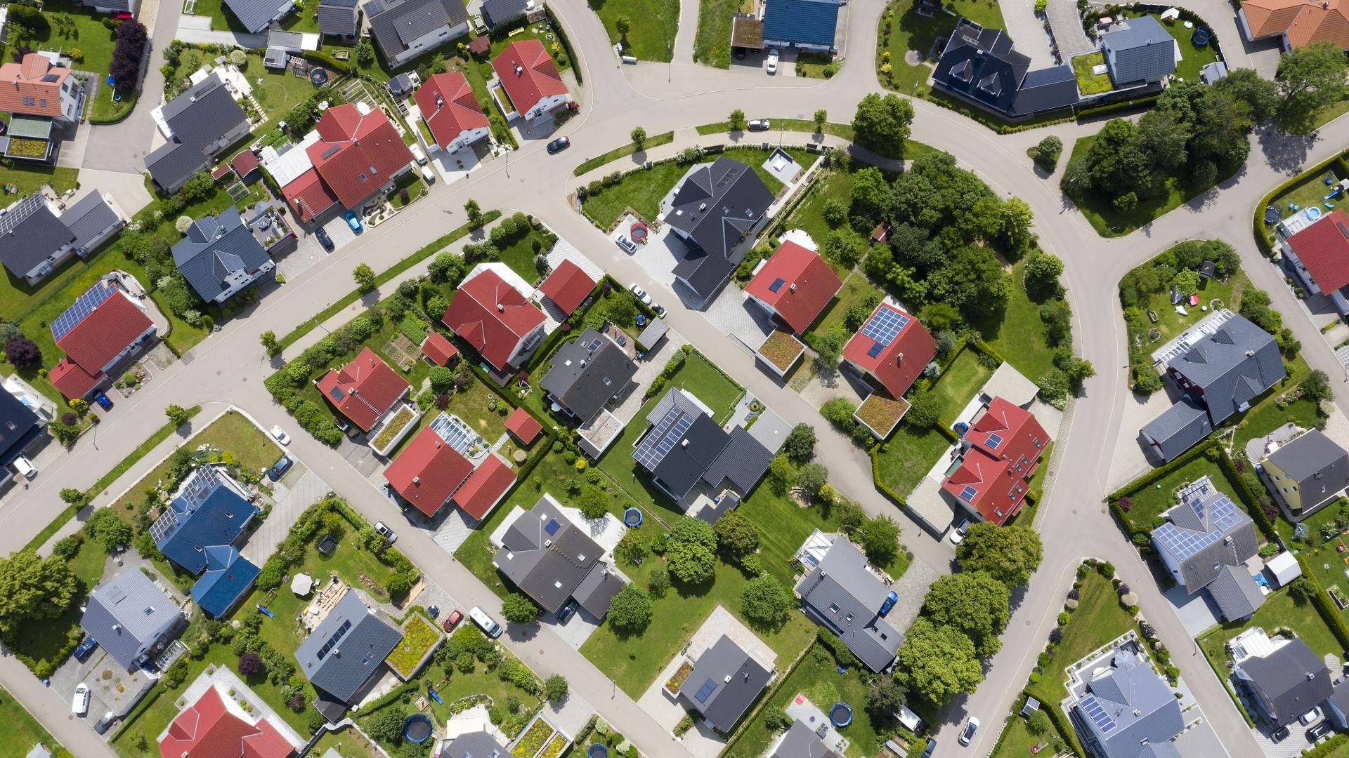 Обвиняват големите имотни компании за 85-процентовото поскъпване на жилищата в Германия