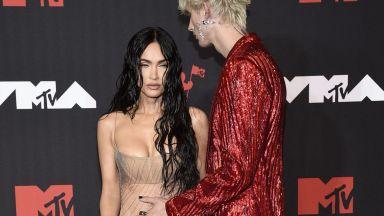 Меган Фокс се появи едва облечена на наградите MTV