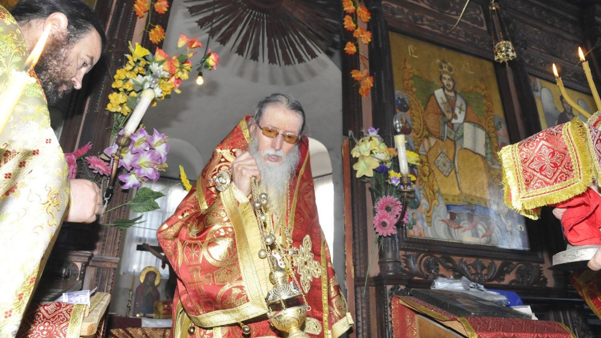 Дядо Йоаникий се оттегля от поста сливенски митрополит