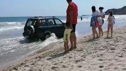 Директор на училище шофира без книжка и пиян из плажа в Кранево