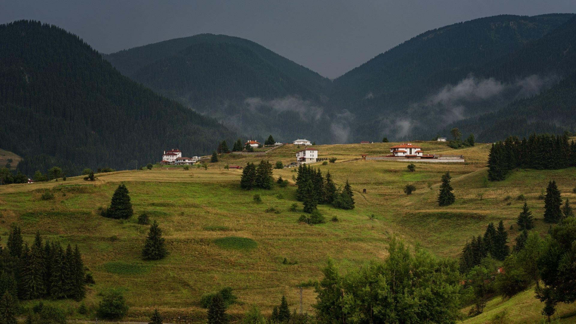 Село Гела след есенен дъжд