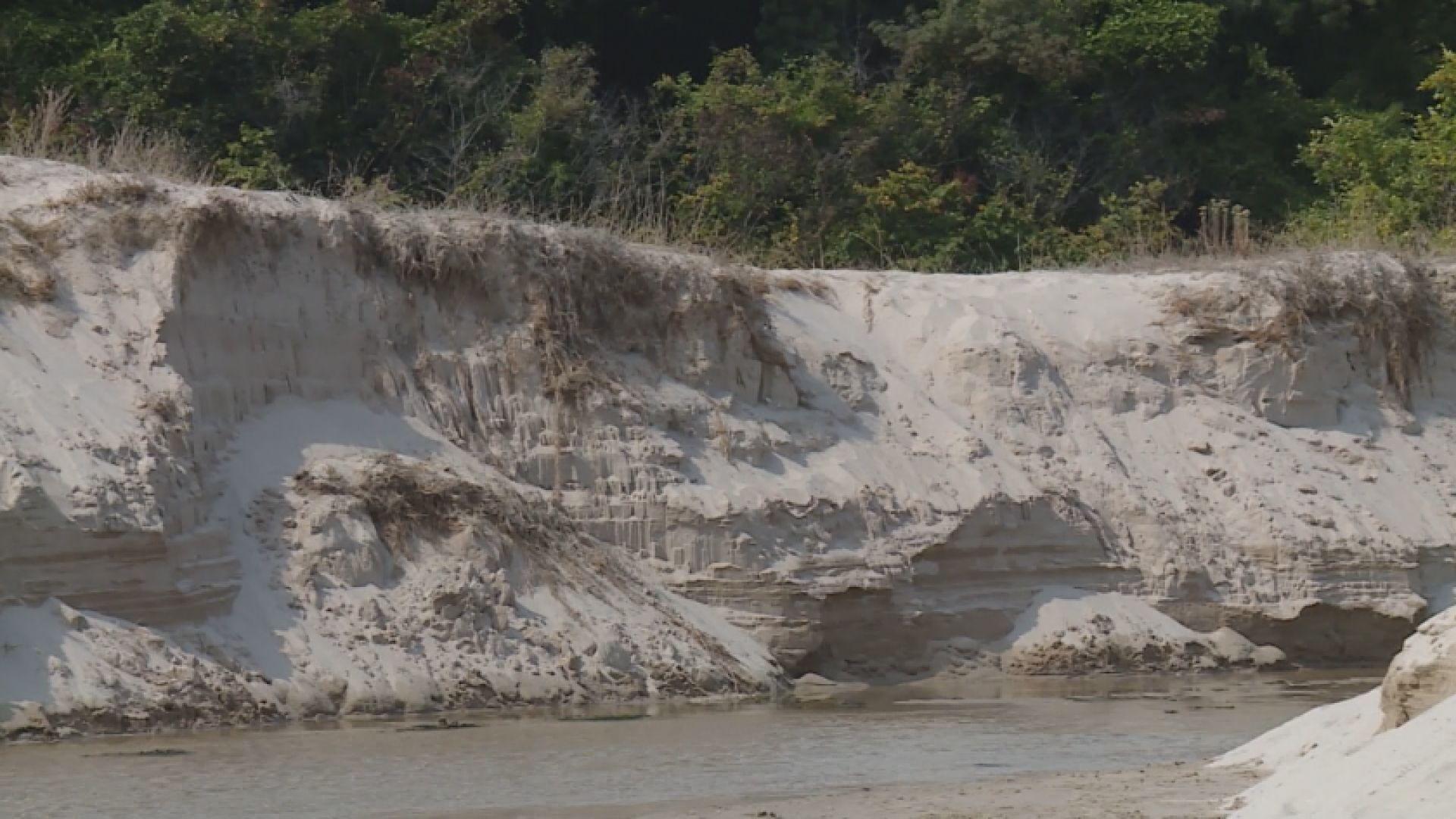 """Кой е виновен за унищожаването на пясъчни дюни в """"Албена""""?"""