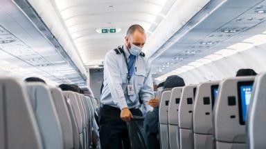 Да се заразят с COVID-19? Не, летящите със самолет имат нов по-голям страх