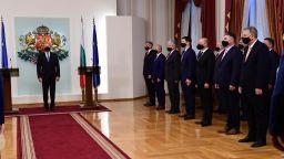 Президентът представи новия служебен кабинет