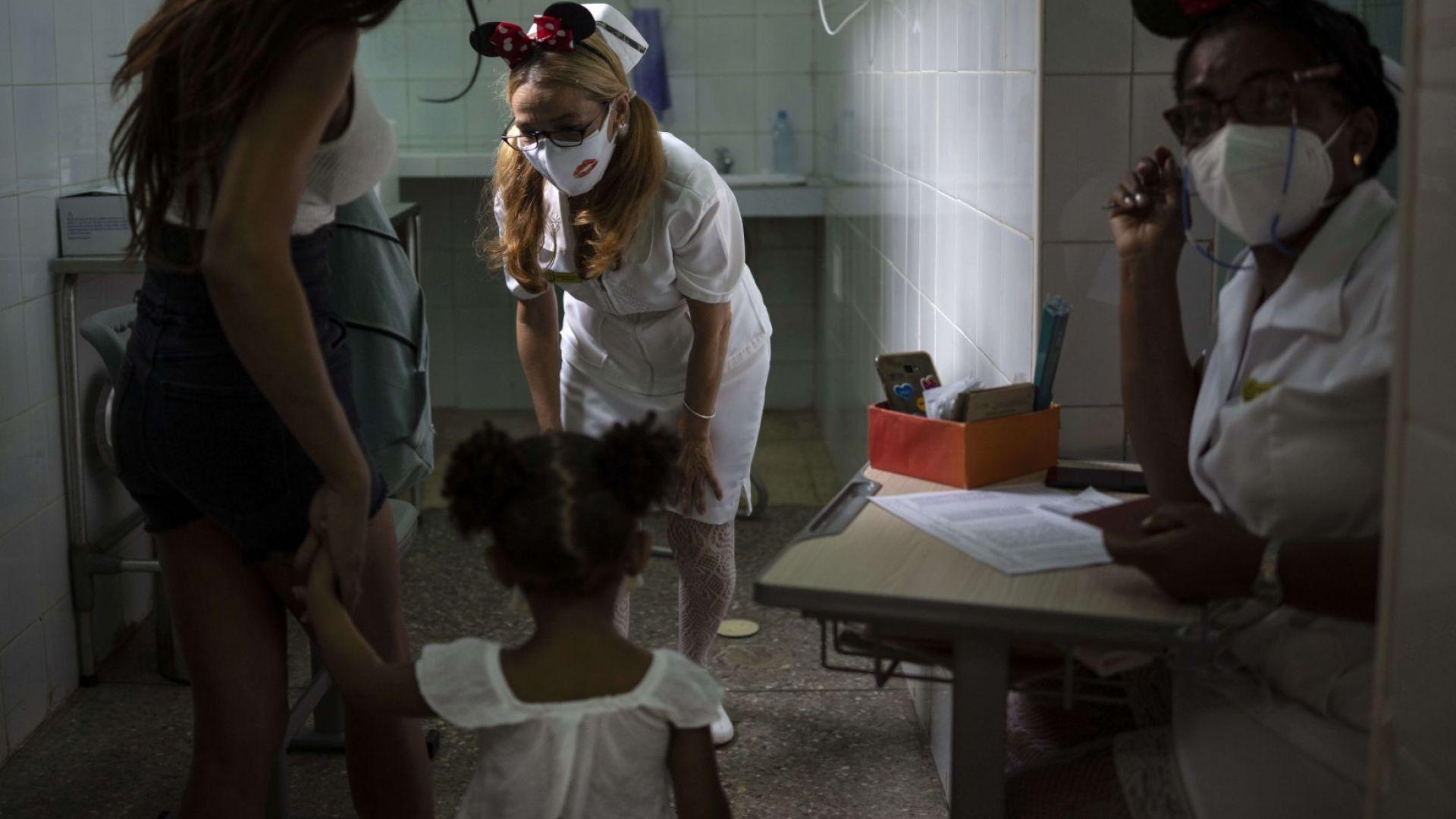 Куба започна да ваксинира 2-годишни деца срещу COVID (снимки)