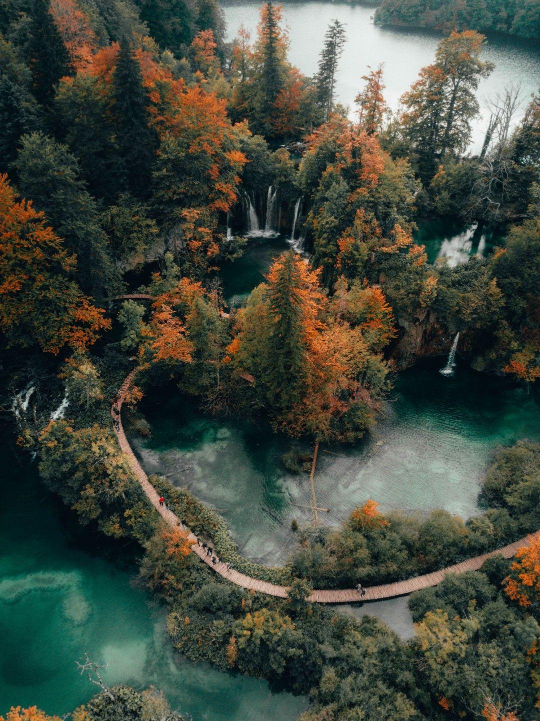 През есента на езерата има много по-малко посетители