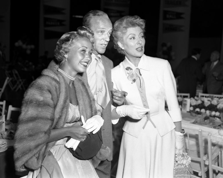 Джейн, вляво, с Фред Астер и Айлийн Гриър Гарсън през 1953 г.