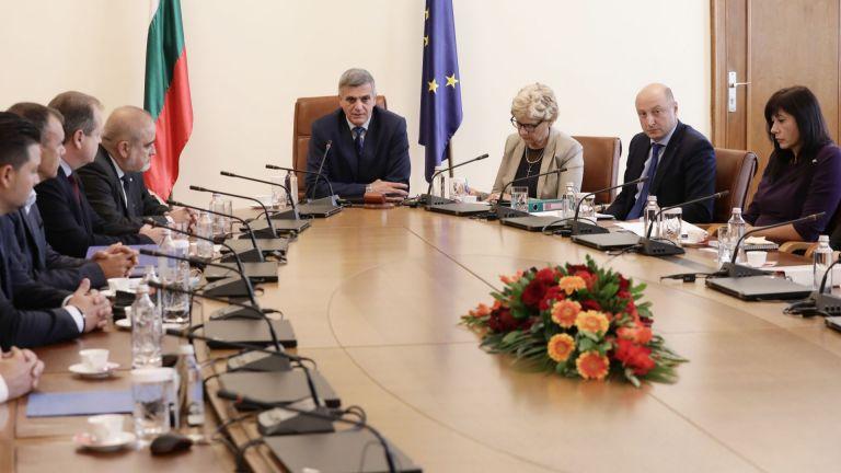 Премиерът Стефан Яневразпореди създаване на работна група за разплащане на