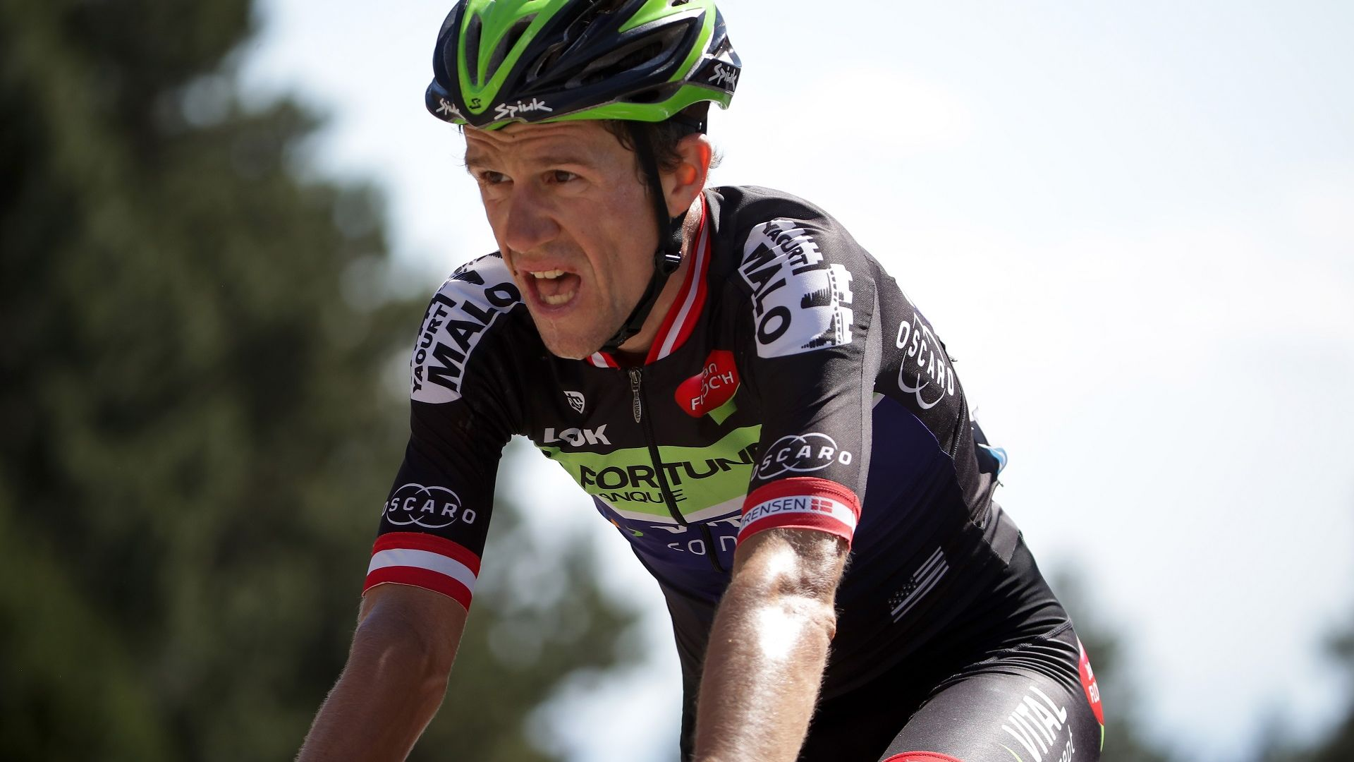 Бивш датски колоездач почина след удар с микробус