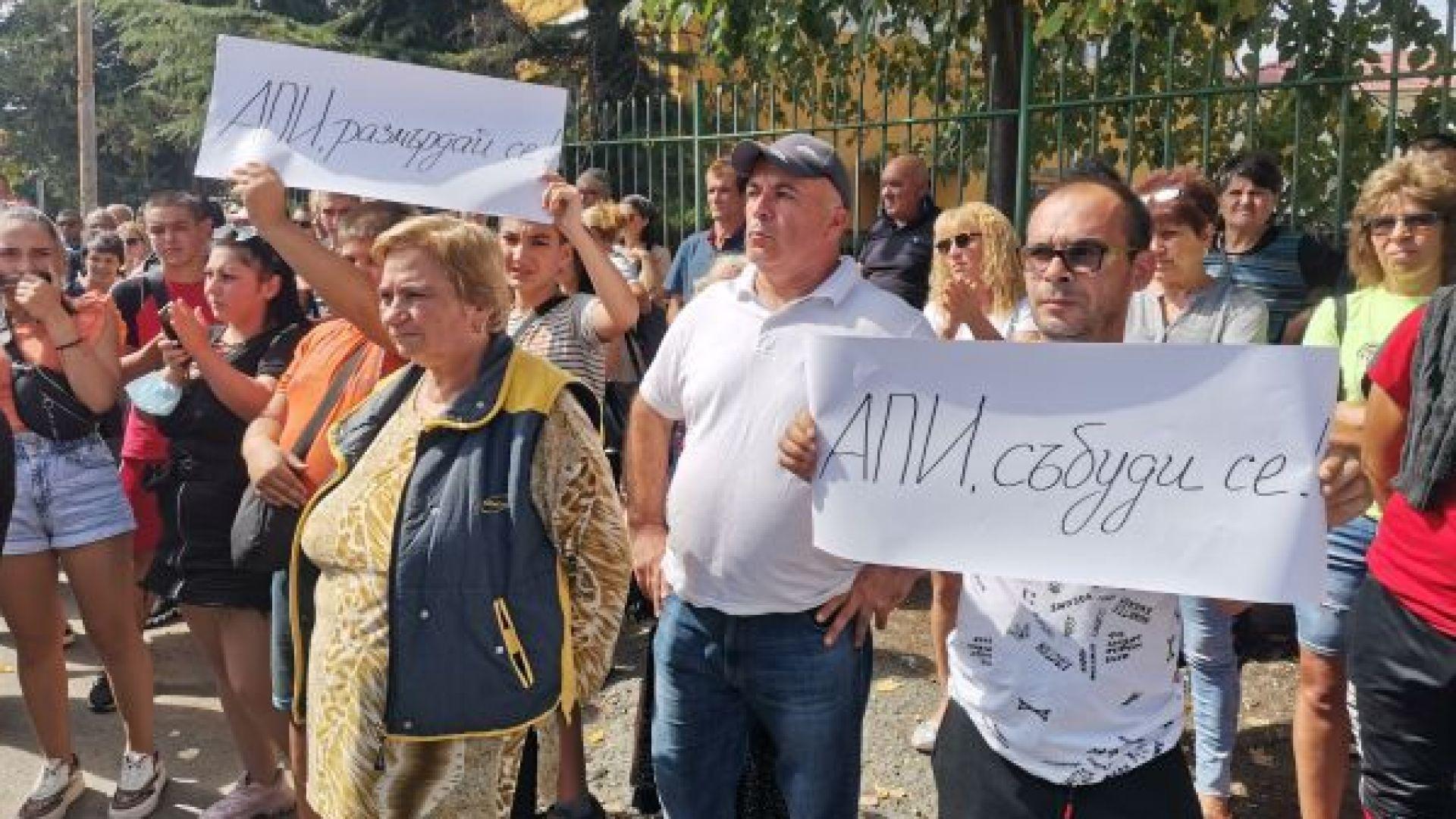 Айтос в транспортен хаос: Камиони не влизат и излизат от града, няма зареждане на магазините