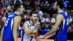 """""""Бебетата"""" на Италия разплакаха Словения и са новите волейболни крале на Европа"""