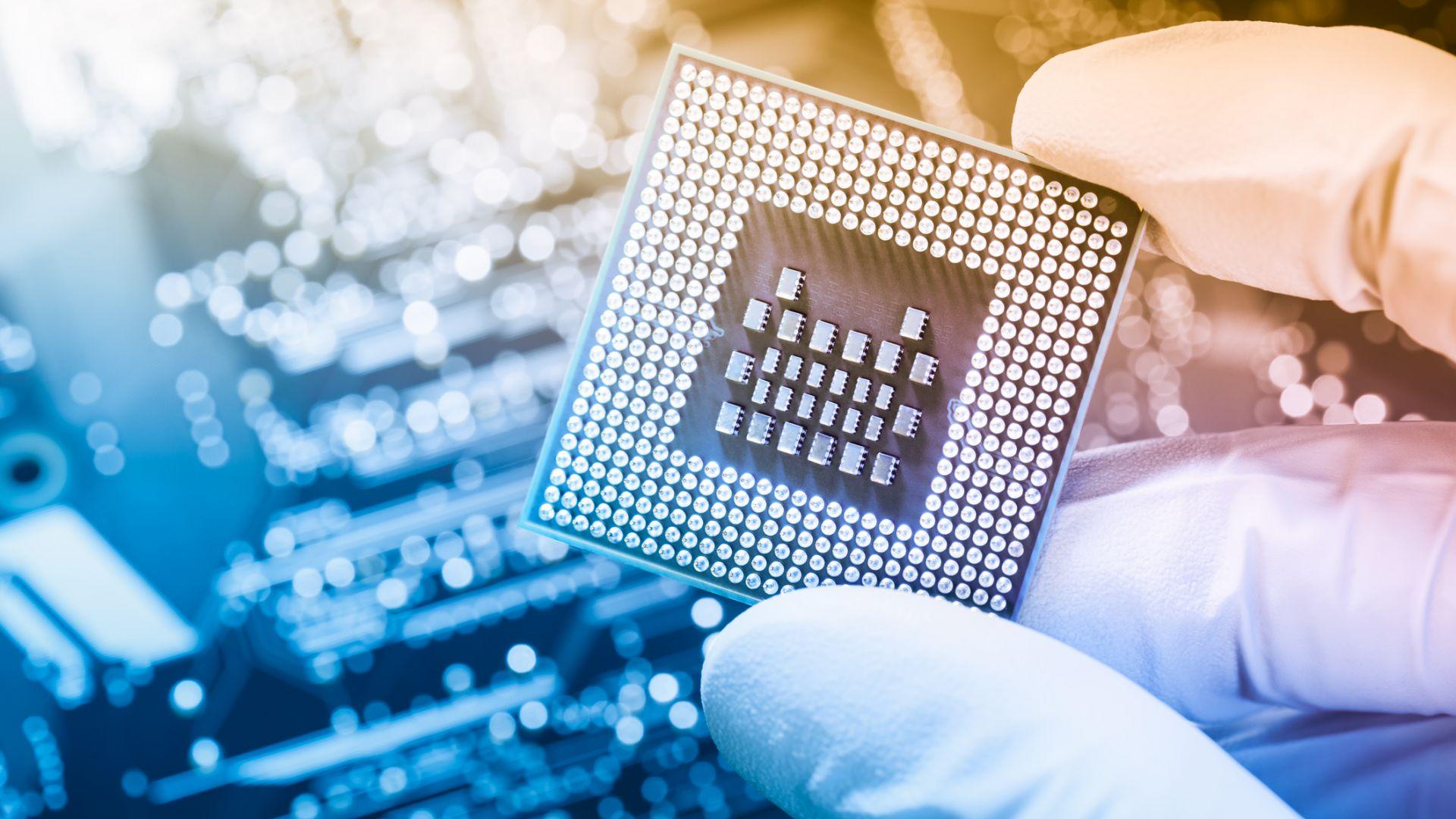 Китай спря производството на чипове заради икономия на енергия