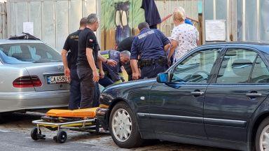 Възрастен мъж падна в необезопасен строителен изкоп в София (снимки)