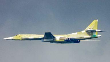 Русия модернизира най-големия си бомбардировач (снимки)