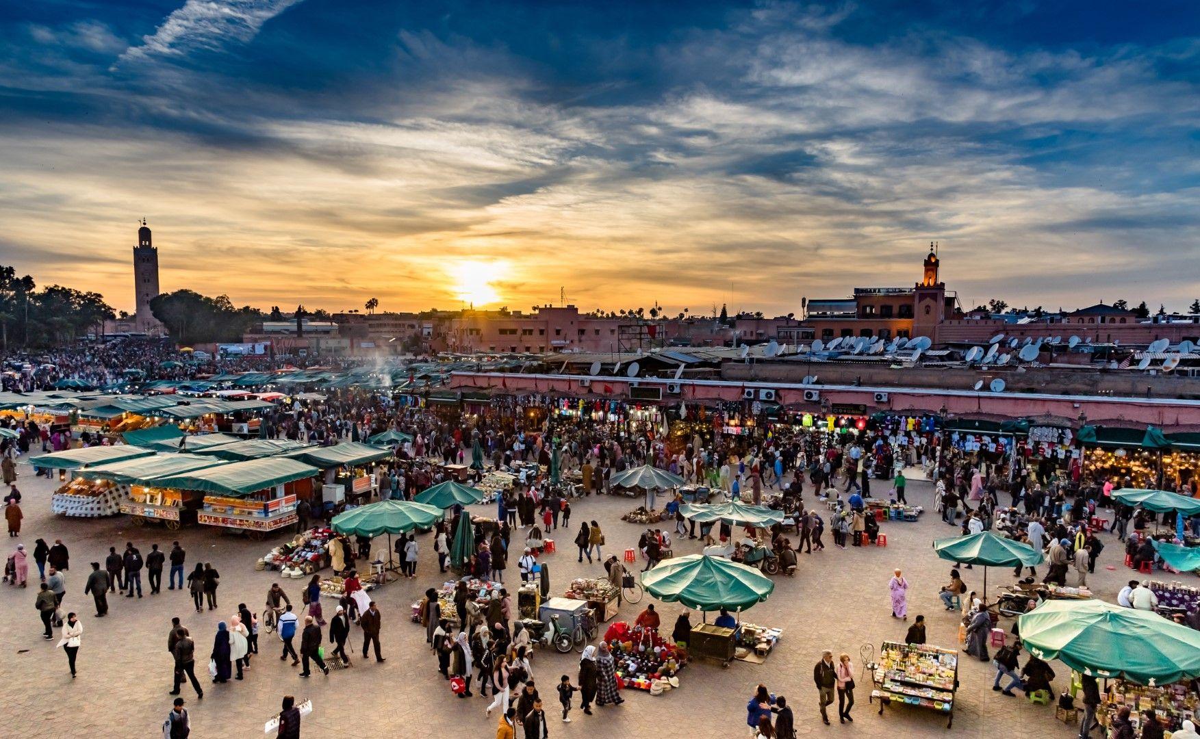 """Площад """"Джема Ел Фнаа"""" в Маракеш, Мароко"""