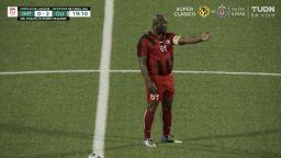 Вицепрезидентът на Суринам се пусна като титуляр и игра близо час за собствения си отбор