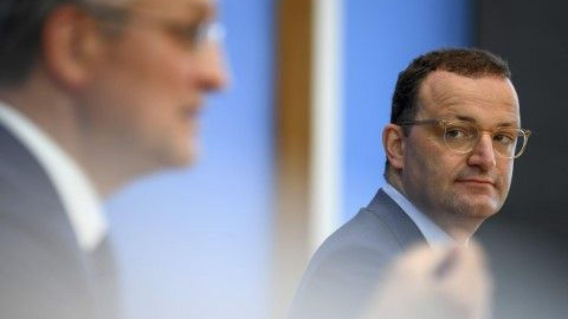 Германия спира компенсациите за работещи под карантина, ако не са ваксинирани