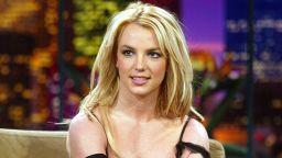 Бритни Спиърс прие предложението на баща си да прекрати попечителството си над нея