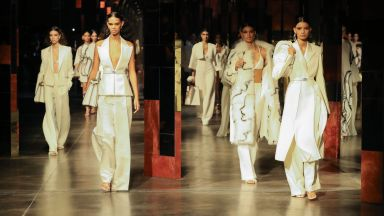 Fendi откри Седмицата на модата в Милано с диско блясък от 70-те (снимки)