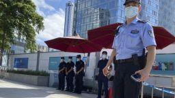 Акциите на Evergrande скочиха: Ще доплува ли до брега китайският гигант