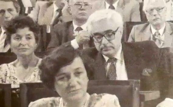 Андрей Луканов по време на парламентарно заседание