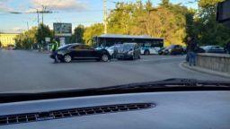 Кола на НСО катастрофира челно в центъра на София (снимки)