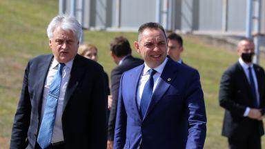 Рашков за мигрантите пред сръбския си колега: Което се отразява на нас, се отразява и на вас
