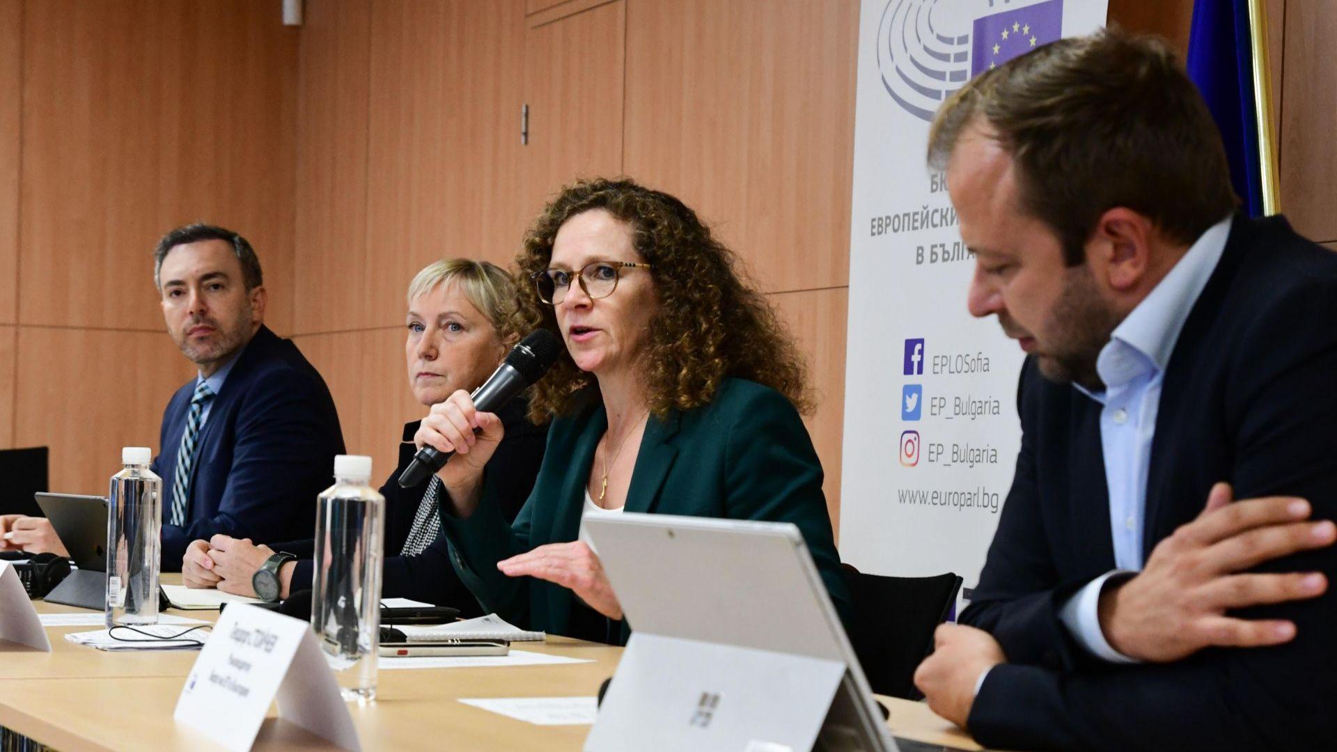Делегацията евродепутати поиска от ЕК подсилване на мониторинга над България
